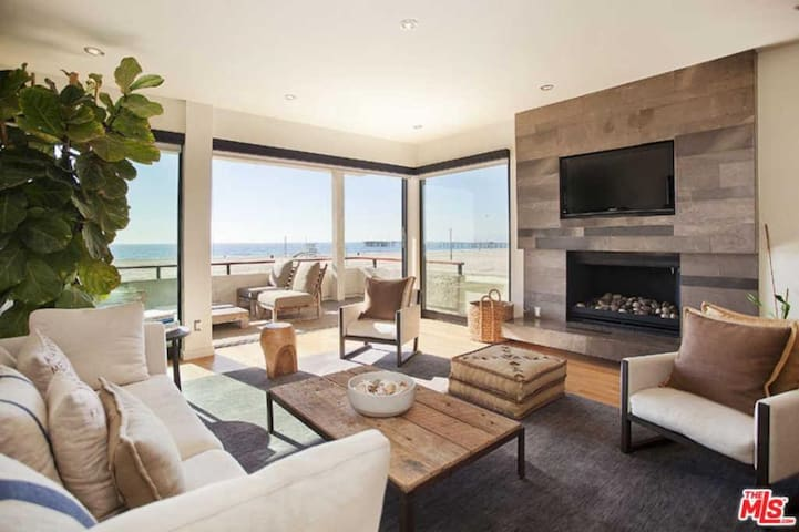 Marina Del Rey - Oceanfront & private beach access