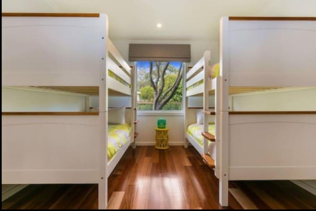 Single bed bunks