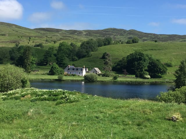 Idyllic cottage in the hills