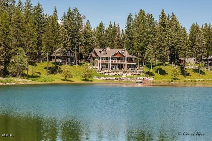 Storybook Echo Lakefront Home with Swan Mtn. View - Bigfork - Casa