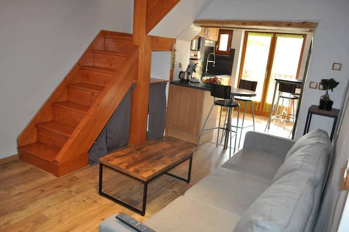 Gîte de France-Maisonnette de village Novalaise