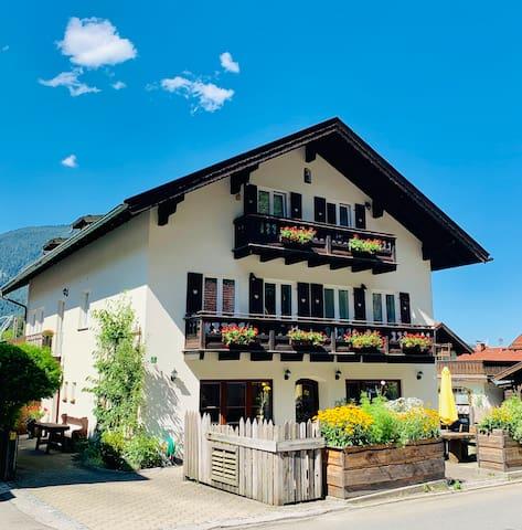 Ferienwohnung WANK: Wohnen am Fuß der Zugspitze