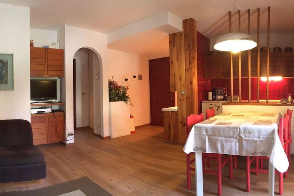 Trilocale in centro con giardino appartamenti in affitto for Appartamenti a asiago
