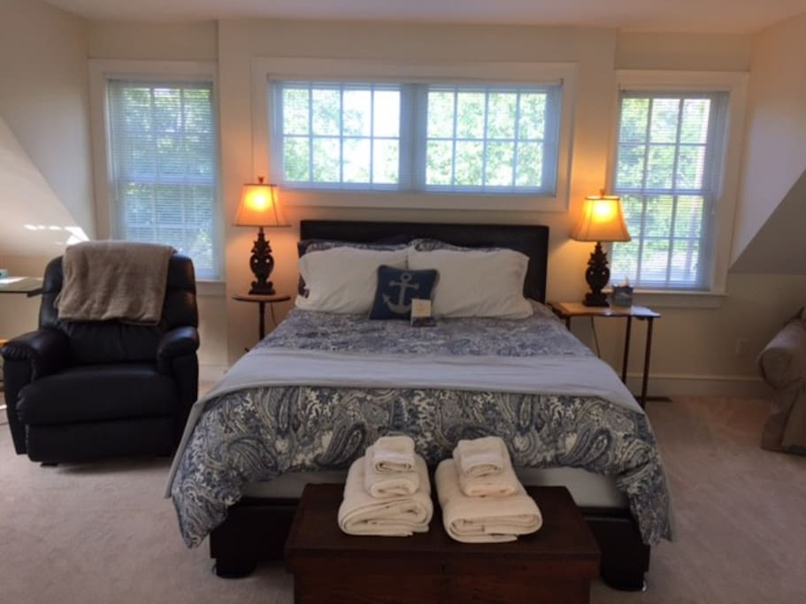 South shore suite between boston cape cod loft in for Affitto cabina cape cod