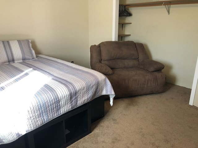Bison Room at Davis Place