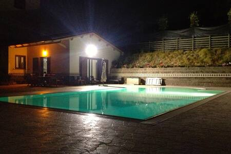 """Villa ai TRE ulivi"" with pool - second floor"