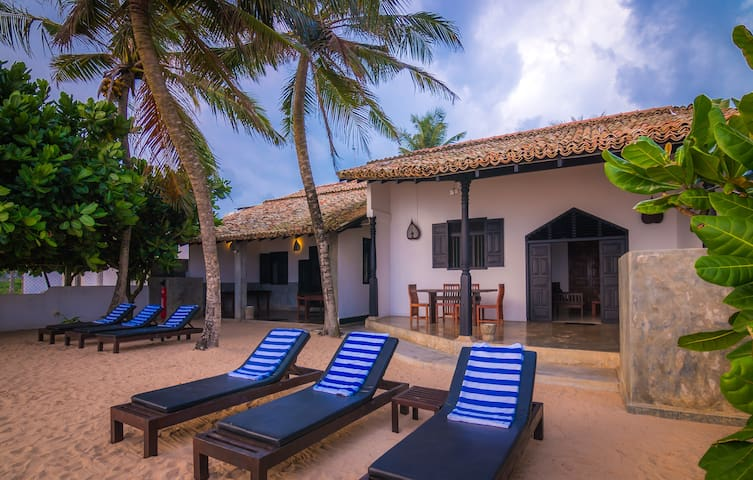 Little Parrot Beach Villa. Right On The Beach