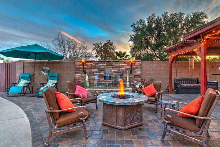 4BR Tempe w/ pool, outdoor kitchen