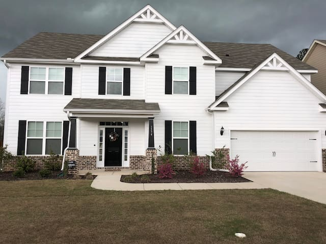 Spacious Home Masters Rental