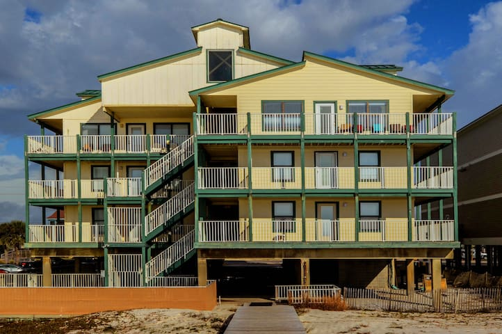 Beachside~Cute Unit~Outdoor Pool~Elevator~Covered Parking