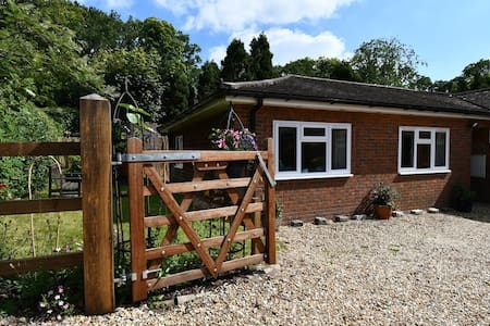 Private Annex, Ampfield - near Romsey/Winchester