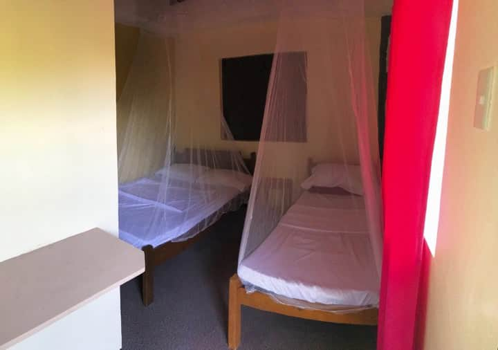 King's LodgingHouse&Restaurant Roomfor3Bath&Aircon