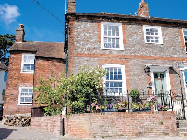 Castleton House (29192)