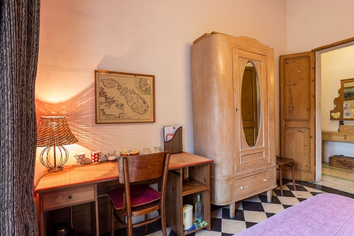 Double Room near Valletta Private bathroom Balcony