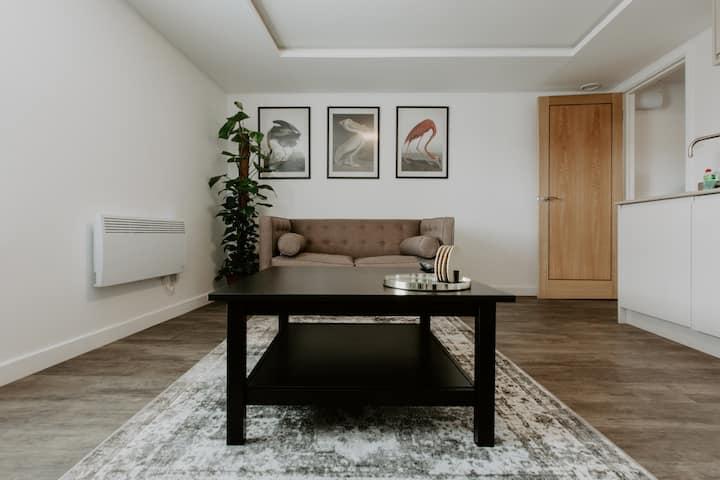 Beaufort Suites Cheltenham, Serviced Apartment 2