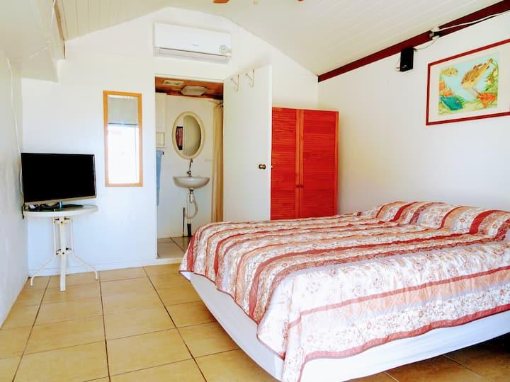 Cozy Apartment, 2 bedrooms, Privacy