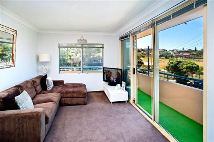 Beachside Maroubra Apartment