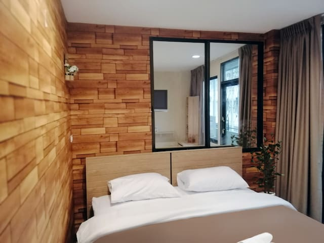 White House Hostel Deluxe Room with Balcony