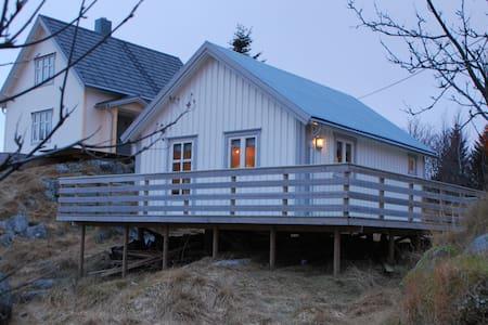 Lillehaugen på Sørvågen i Lofoten - Moskenes