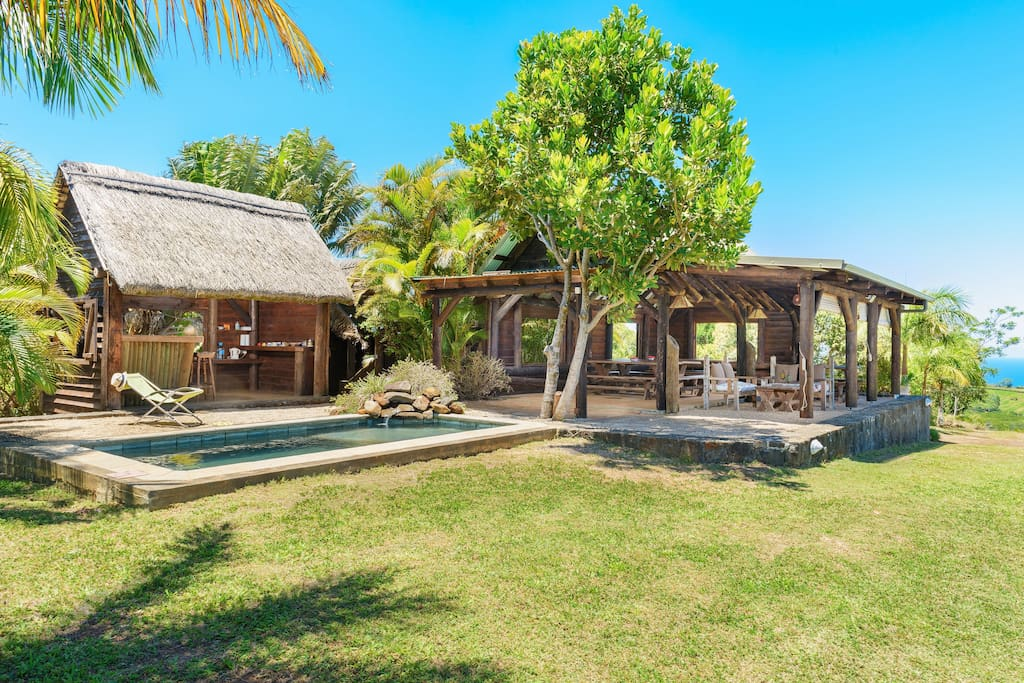 The kiosk and plunge pool - common to all guests