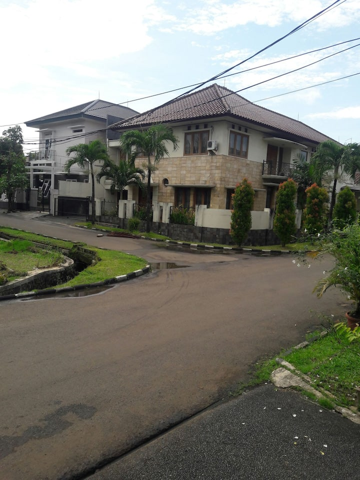 Victor house