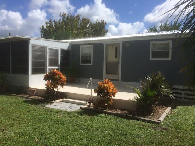 Lake Okeechobee Cabin located in Lakeport, Florida