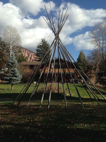 Elk Creek Retreat - New Castle