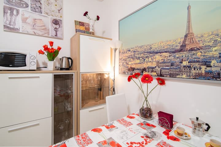 CITY CENTER: Fully equipped & renovated apartment