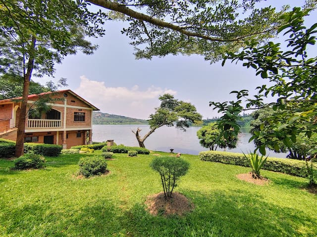 """Umuko"" Cottage on the shores of Lake Muhazi"
