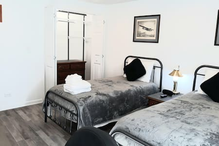 Now available new room and  sparkling clean(6)