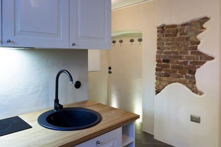 Malmi 3 City Home - Apartmen