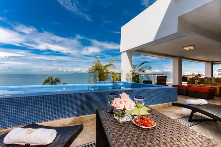 3 BR beachfront Sky Suite E