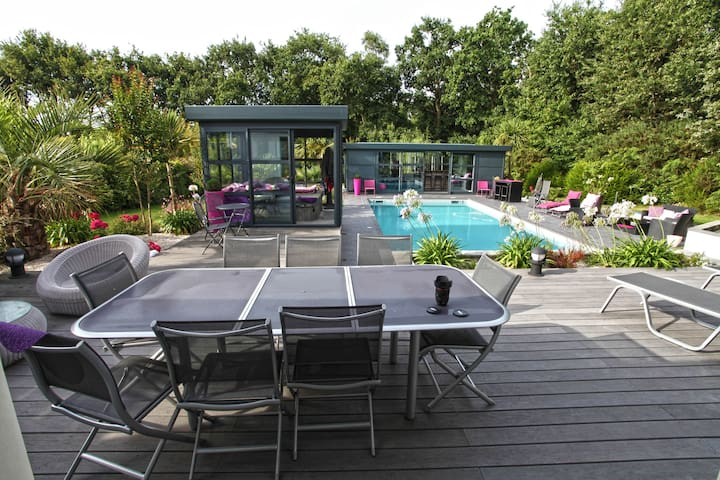Belle Villa au calme, piscine, jacuzzi, pool house