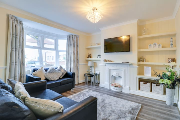 Shoebury Nest⭐️ Luxury Apartment ⭐️Shoeburyness ⭐️Southend-on-Sea