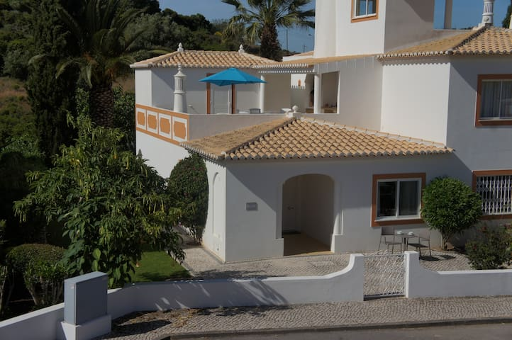 Only steps from Praia Grande - Ferragudo - Haus