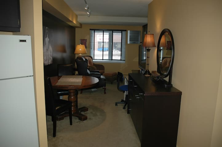Quiet 1-Bedroom Condo