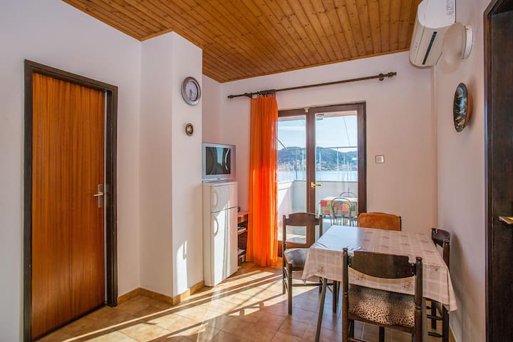 Apartment Tomulić / Two bedroom A1 - Rab - Daire