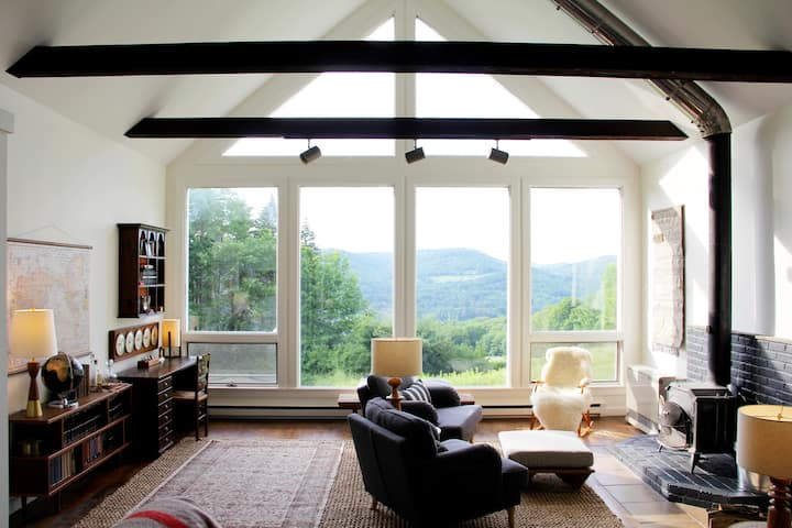 Stunning views on the edge of Woodstock, Vermont