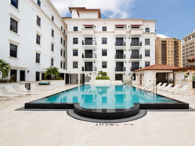 NUOVO | Luxurious Coral Gables 1 Bedroom Apartment