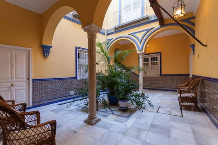 Apartamento muy céntrico patio andaluz