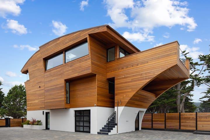 Modern Luxury Ocean Front Home