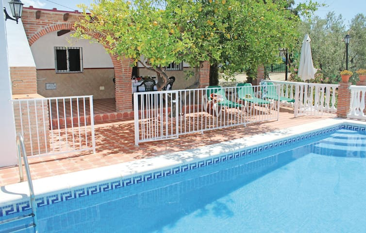 Holiday cottage with 3 bedrooms on 61 m² in Corumbela