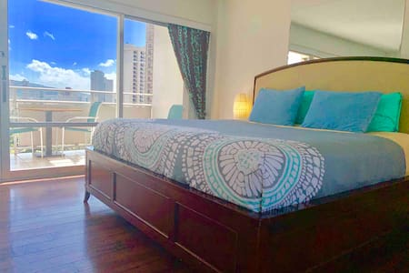 "The ""PEARL"" in Beach Front Hotel! (Legal Rental)"