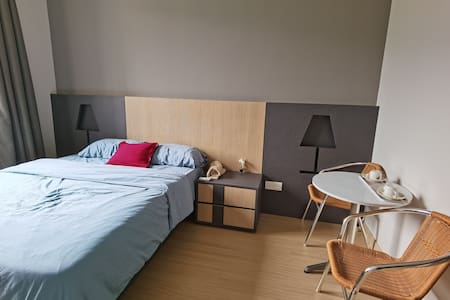 Windmill Deluxe Room for 2-3 pax(12)