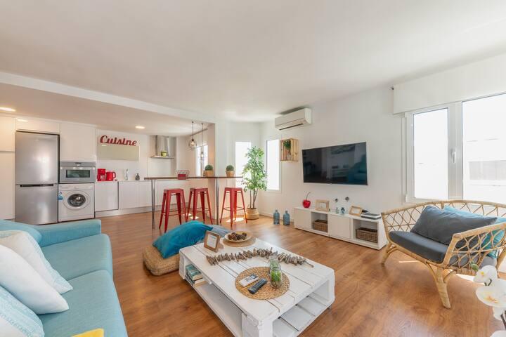 Voramar: Modern apartment close to the beach