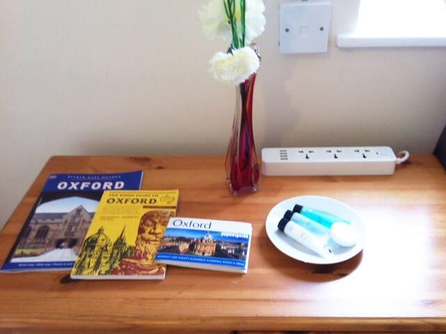 Single/Twin Room nr City Center + Breakfast & Bike