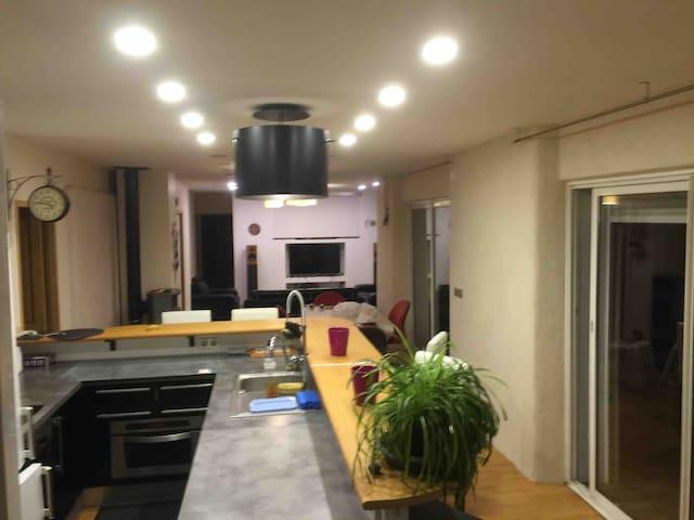 T4 spacieux 40mn Toulouse, Balneo, Sauna, terrasse