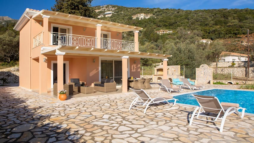 Villa Marianna with pool, sea views and garden