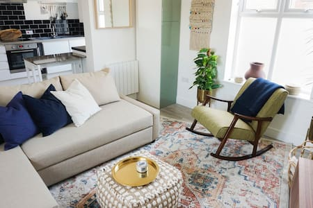 Modern & Charming Isle of Wight Boutique Apartment