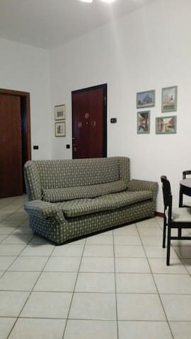 COZY APPARTMENT NEAR MILAN - Bollate - Apartamento